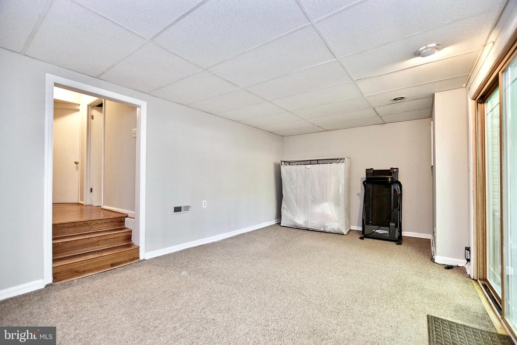 Lower Level Family Room and Hall - 9453 CLOVERDALE CT, BURKE