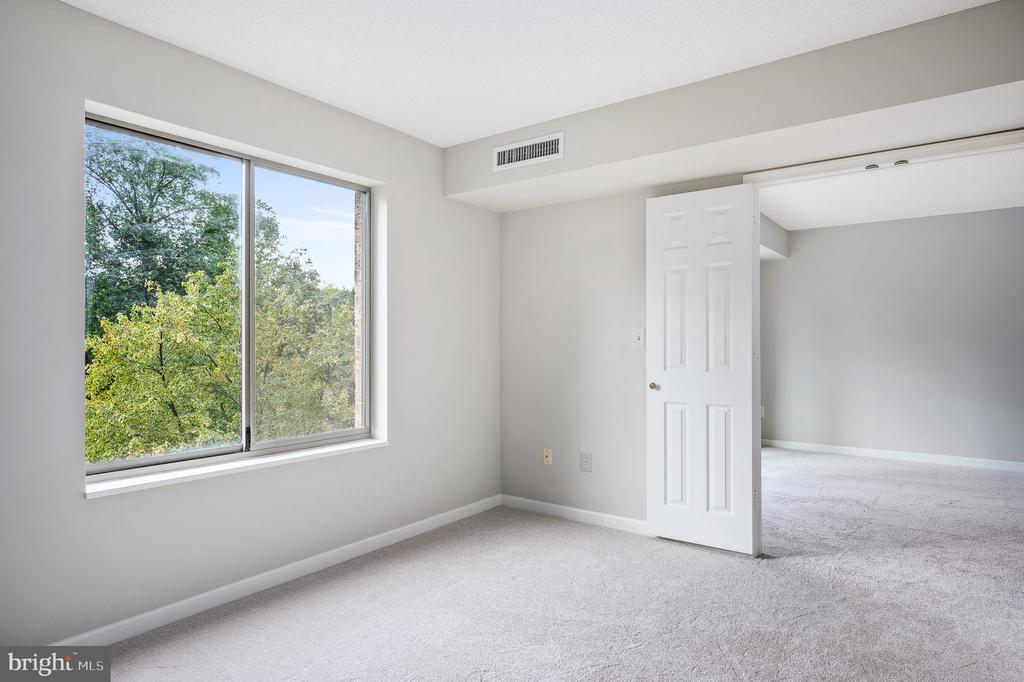 2nd bedroom off of living area - 19385 CYPRESS RIDGE TER #219, LEESBURG