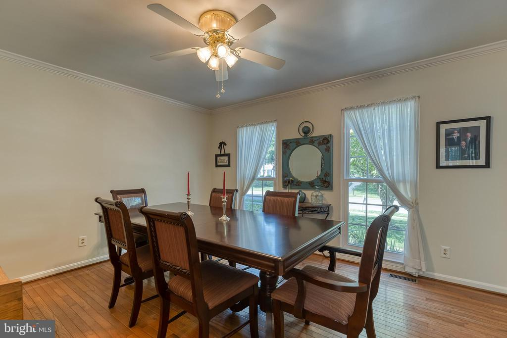 Formal dining room -right off the kitchen - 132 NORTHAMPTON BLVD, STAFFORD
