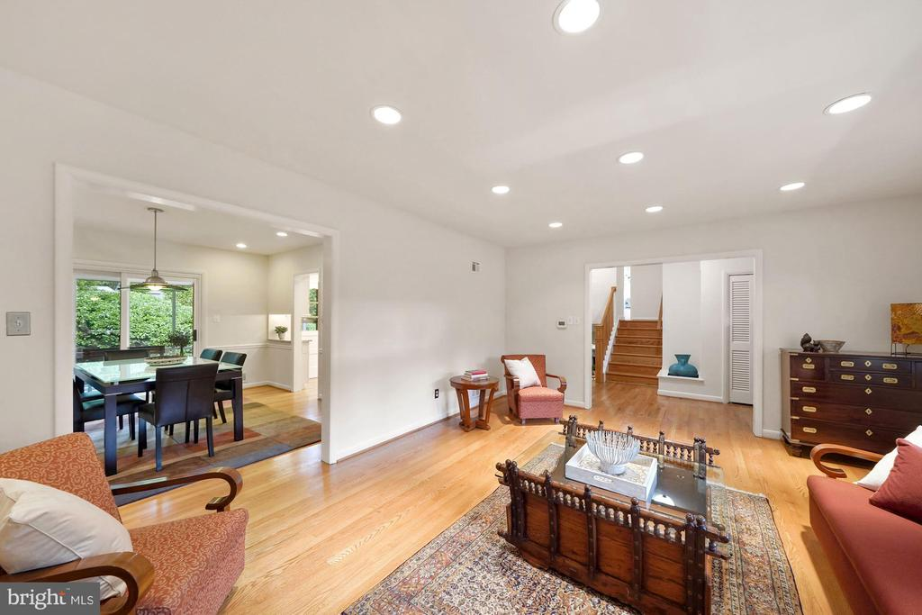 Excellent Space for Entertaining - 5312 CARLTON ST, BETHESDA