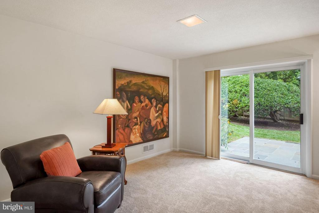 Family Room Walkout  to Patio - 5312 CARLTON ST, BETHESDA