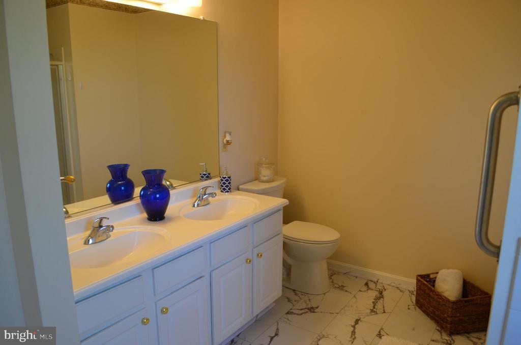 Master bath with double-sink vanity - 4900 EDGEWARE TER, FREDERICK