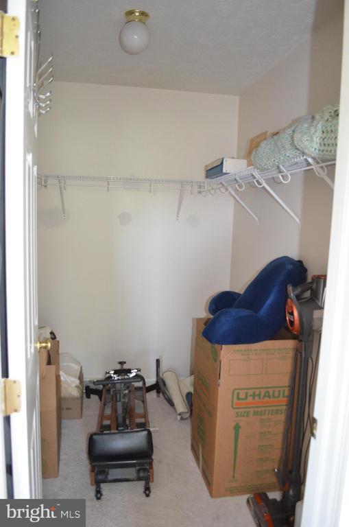 Huge master closet - 4900 EDGEWARE TER, FREDERICK