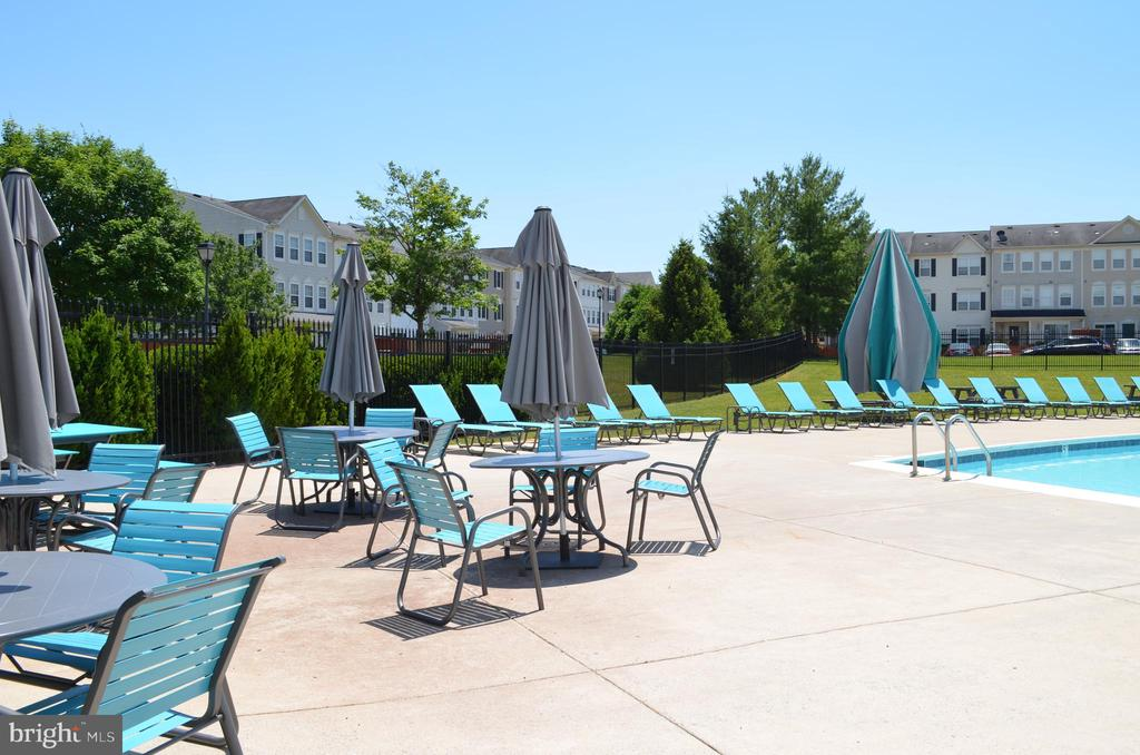 Relax and enjoy the community pool - one block ove - 4900 EDGEWARE TER, FREDERICK