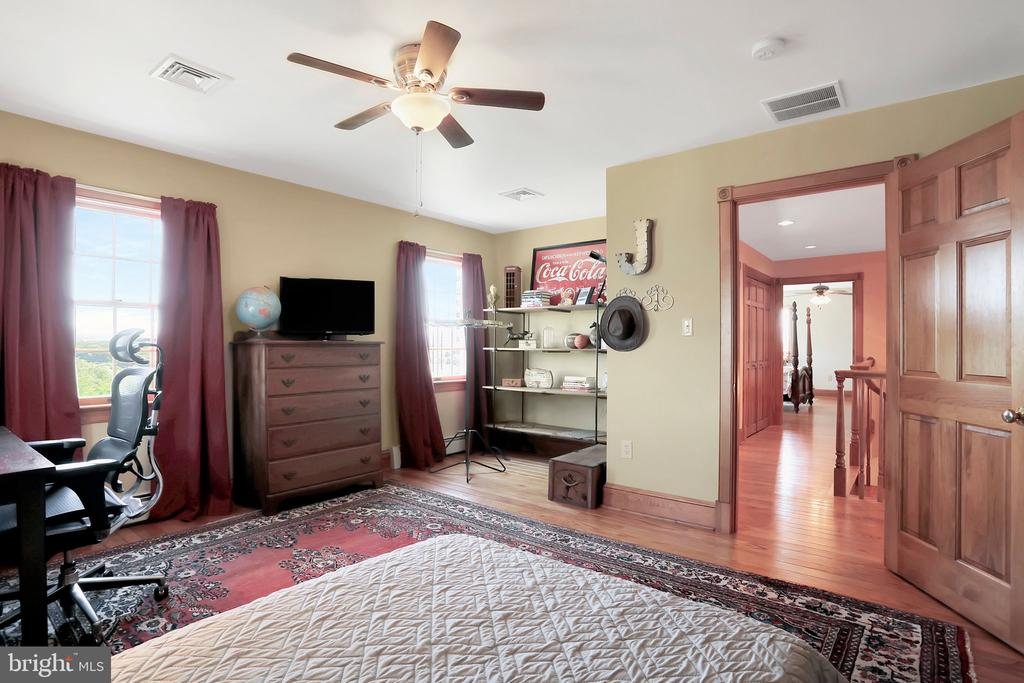 bedroom 2 - 5201 RELIANCE, MIDDLETOWN