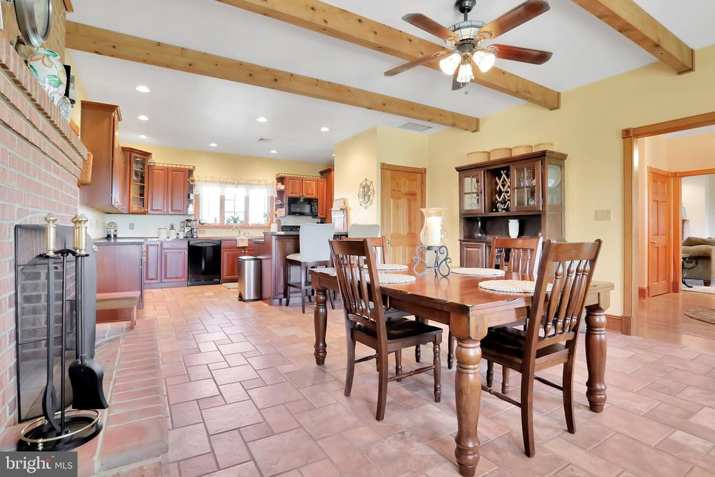 Kitchen/Dining up for entertaining - 5201 RELIANCE, MIDDLETOWN