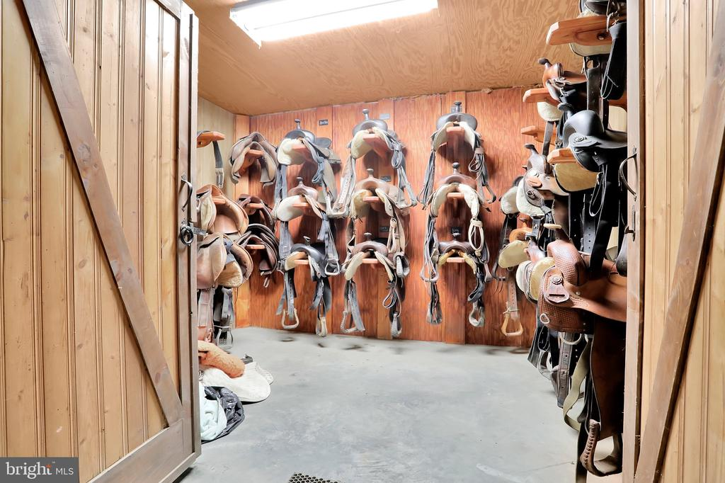 Tack room - 5201 RELIANCE, MIDDLETOWN