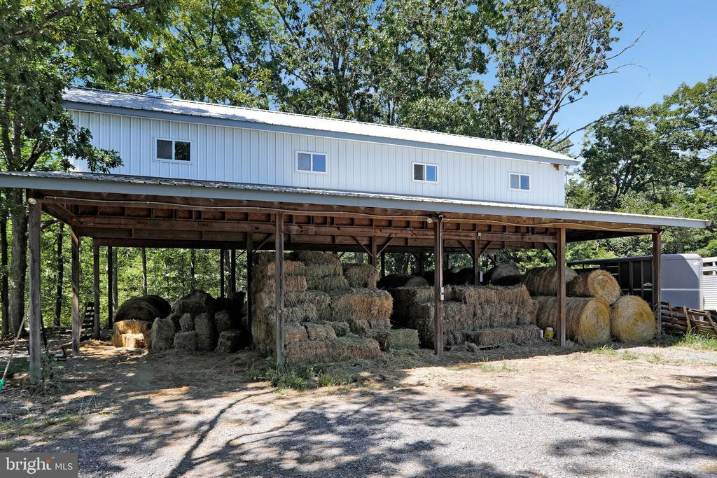 36X48 Hay Pavilion with electric - 5201 RELIANCE, MIDDLETOWN
