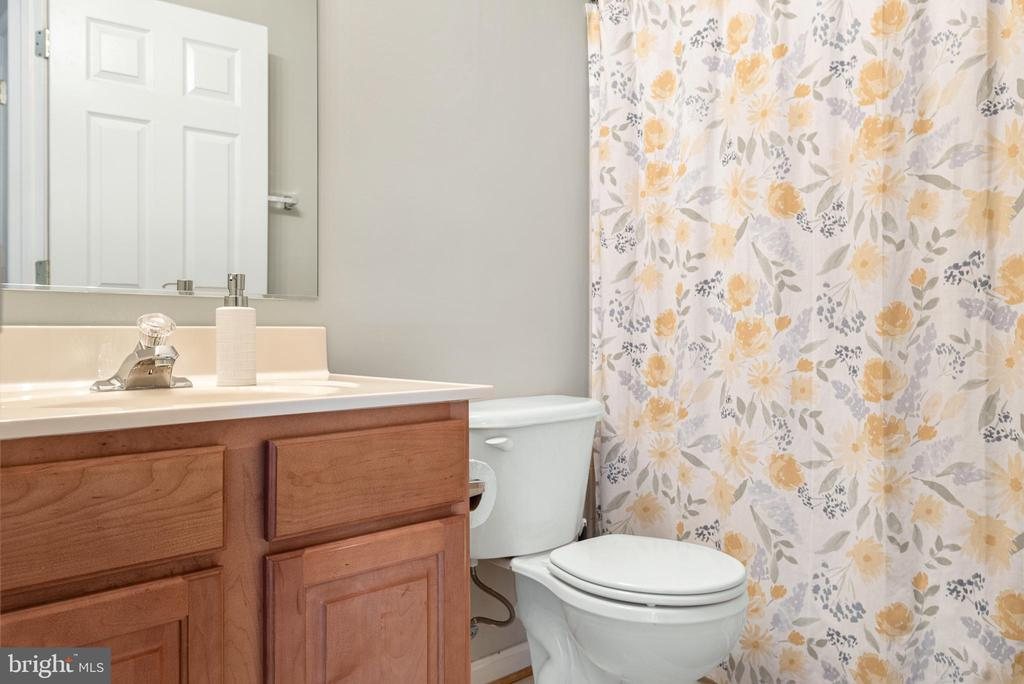 With their own full bath - 612 BURBERRY TER SE, LEESBURG