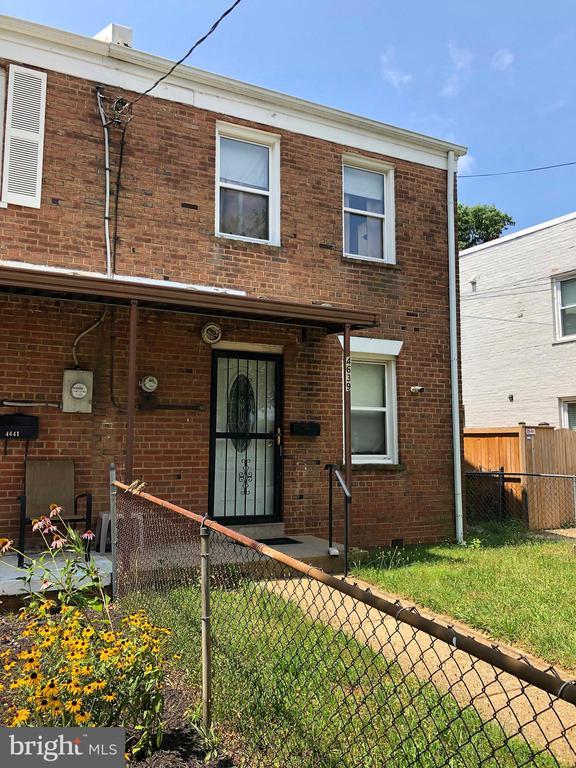 Exterior front - 4639 A ST SE, WASHINGTON