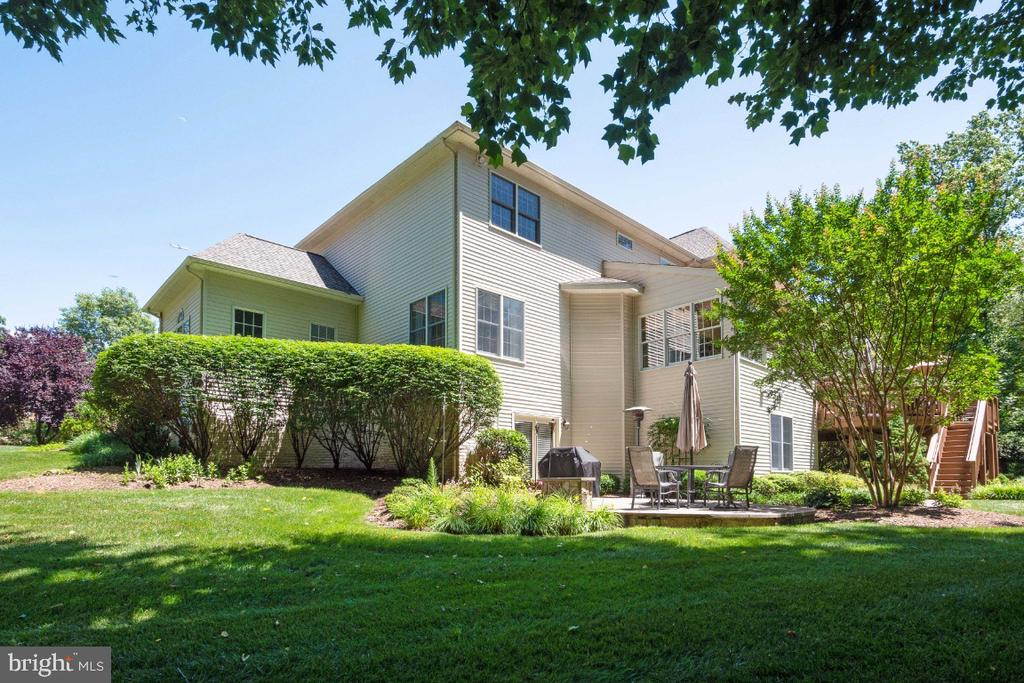 Mature landscaping - 3200 OX MEADOW CT, HERNDON