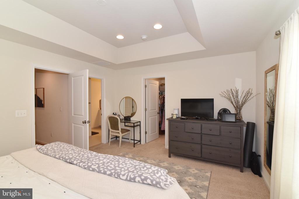 Primary bedroom - 42349 ALDER FOREST TER, STERLING