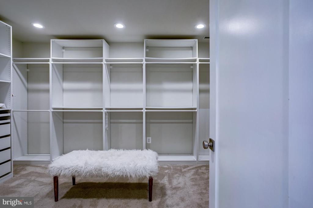 Primary walk-in closet - 5507 DURBIN RD, BETHESDA