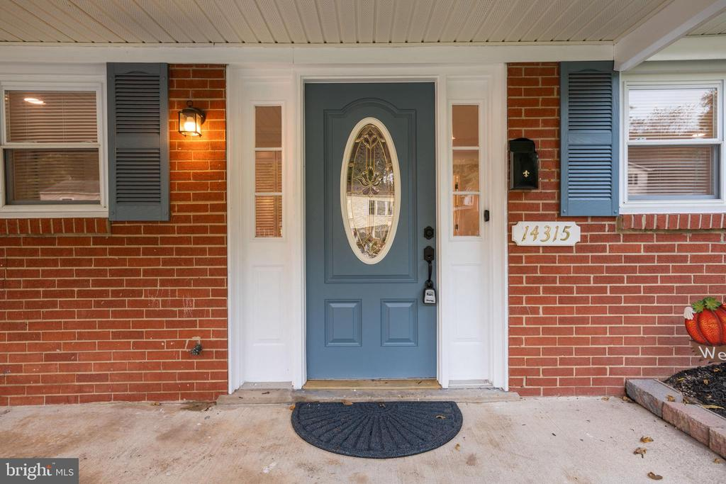 Front Entrance with Covered Porch - 14315 FERNDALE RD, WOODBRIDGE