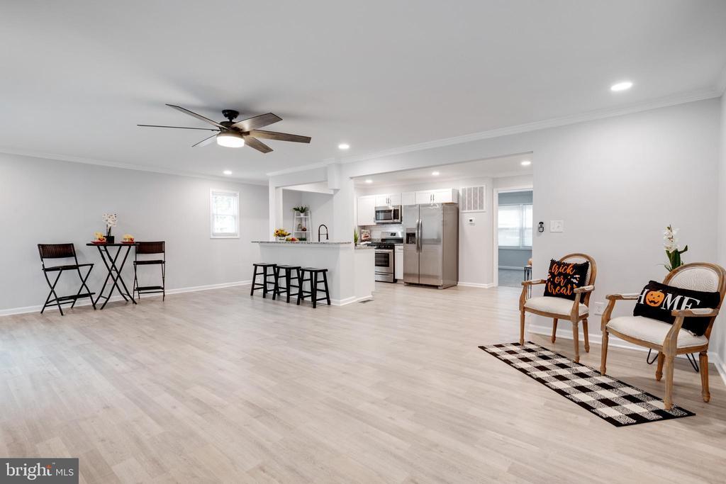 Living Room - 14315 FERNDALE RD, WOODBRIDGE
