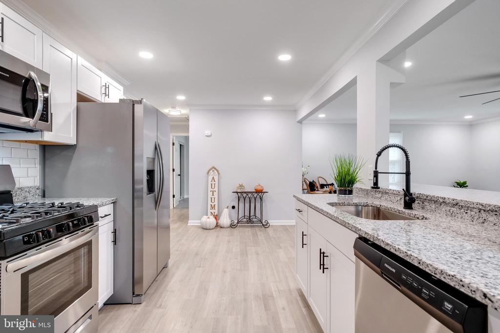 Kitchen - 14315 FERNDALE RD, WOODBRIDGE