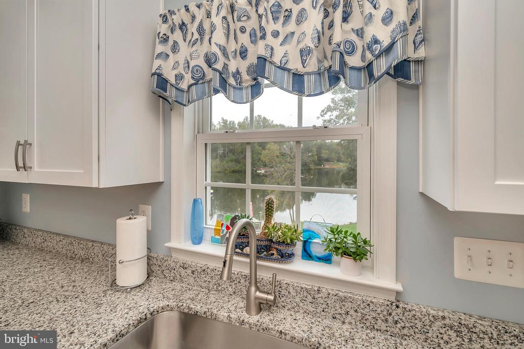 Look at the water from the kitchen - 7398 JACKSON DR, KING GEORGE