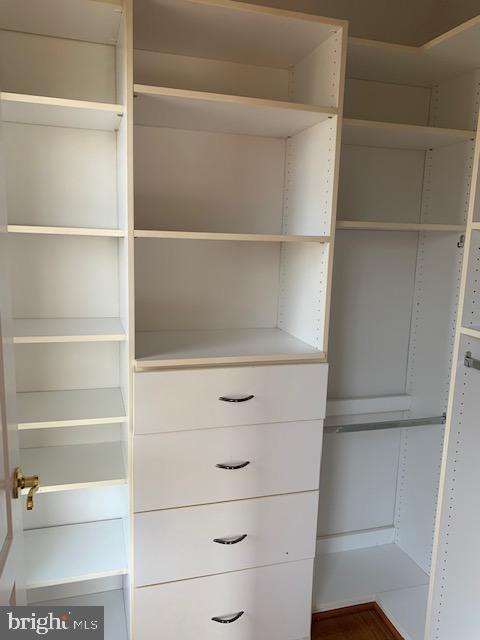 Custom closets Bedroom #3 - 43512 STARGELL TER, LEESBURG