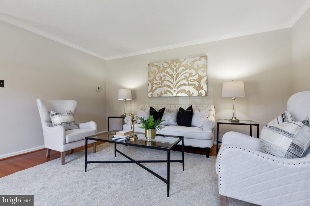 Spacious living room - 7324 JENNA RD, SPRINGFIELD