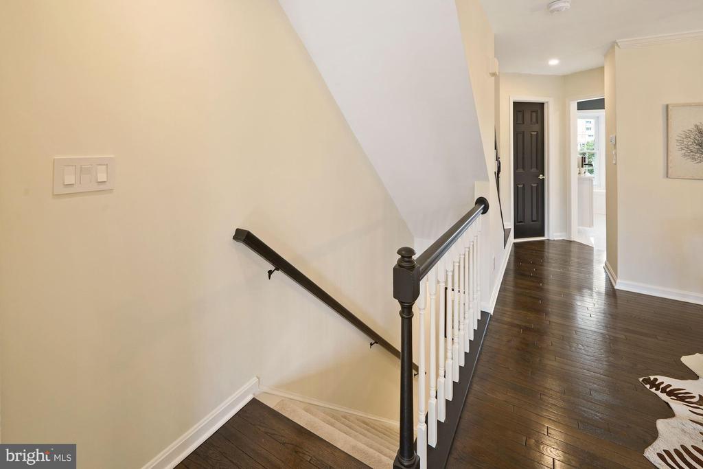 Let's go back to the 1st floor! - 4110 WASHINGTON BLVD, ARLINGTON