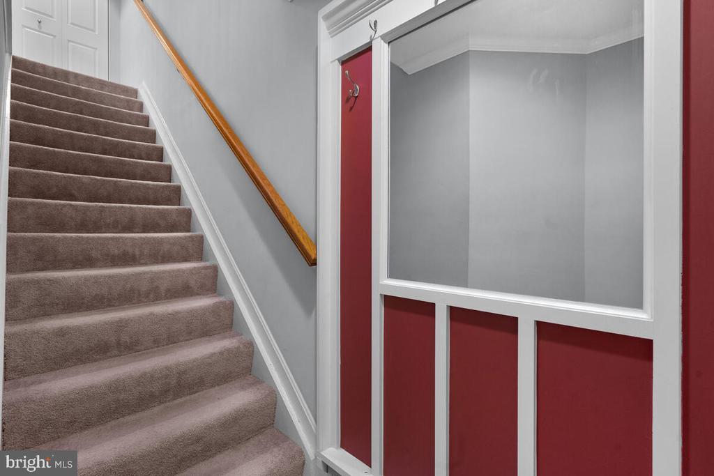 Custom Foyer - 5835 ORCHARD HILL LN, CLIFTON