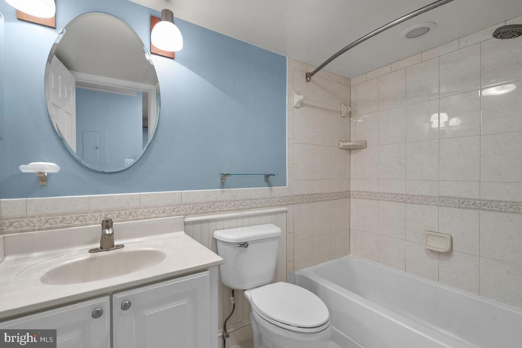 Remodeled Bathroom - 5835 ORCHARD HILL LN, CLIFTON