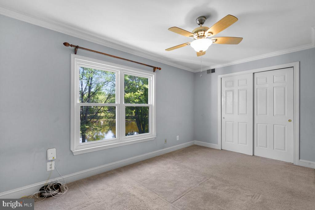 Owner's Bedroom Overlooking the Lake - 5835 ORCHARD HILL LN, CLIFTON