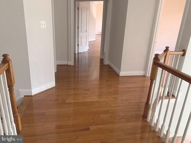 Bedroom lvl hardwood hallway - 43512 STARGELL TER, LEESBURG