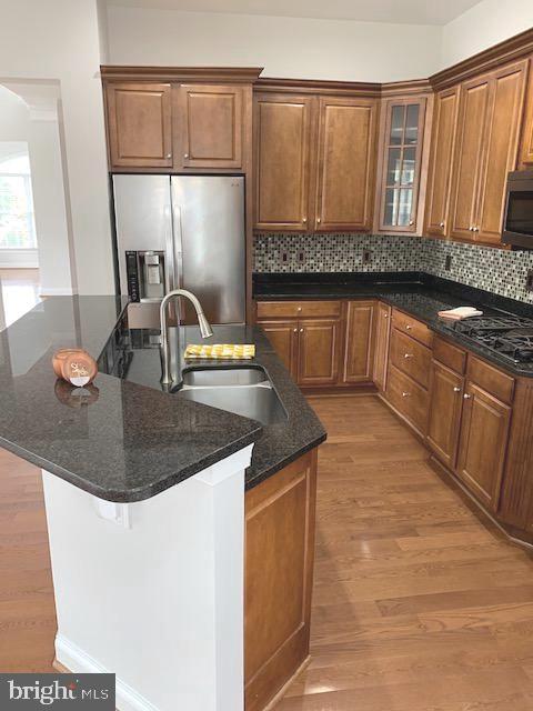 Lovely modern kitchen w/natural stone & stainless - 43512 STARGELL TER, LEESBURG
