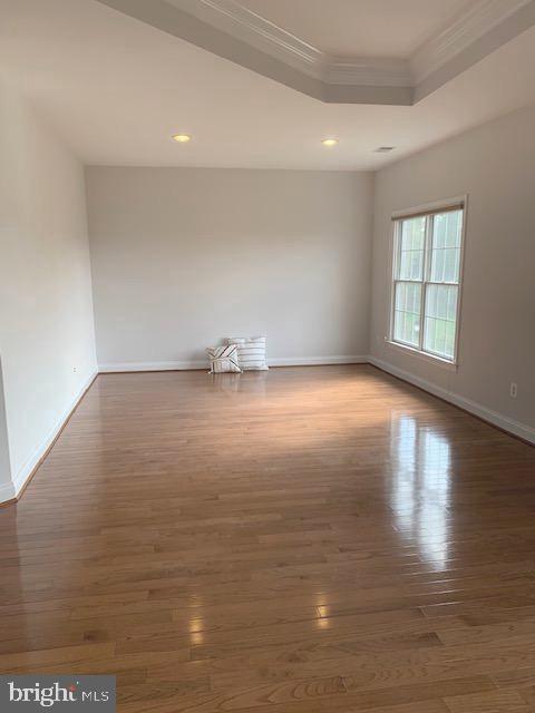 Large, sunny Master Bedroom - 43512 STARGELL TER, LEESBURG