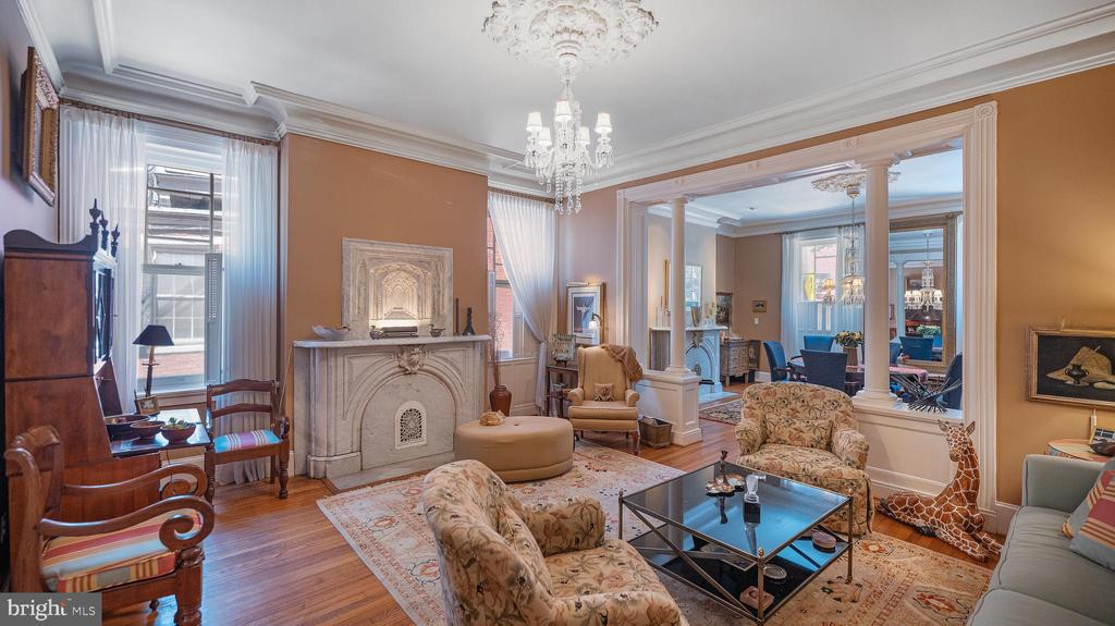 large windows, high ceilings, elegant proportions - 100 E 2ND ST, FREDERICK