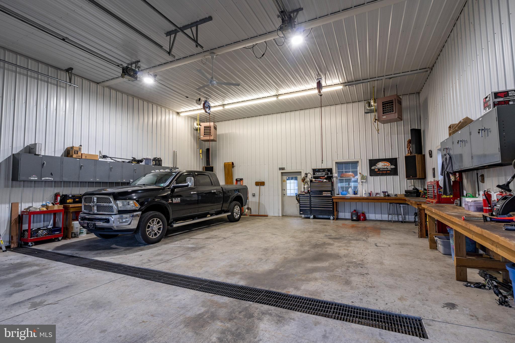 Garage /shop 40'x80'