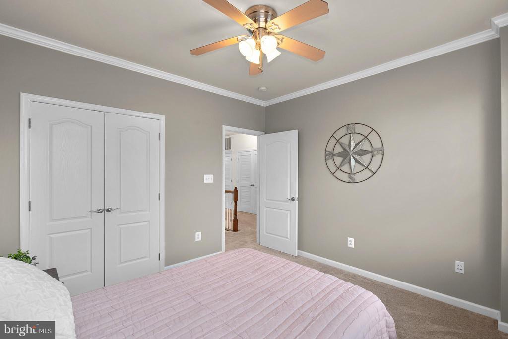 1st Bedroom - 19400 DIAMOND LAKE DR, LEESBURG