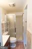 Ensuite main bathroom - 5919 VERNONS OAK CT, BURKE