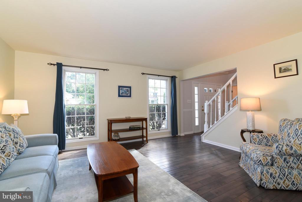- 12641 TERRYMILL DR, HERNDON