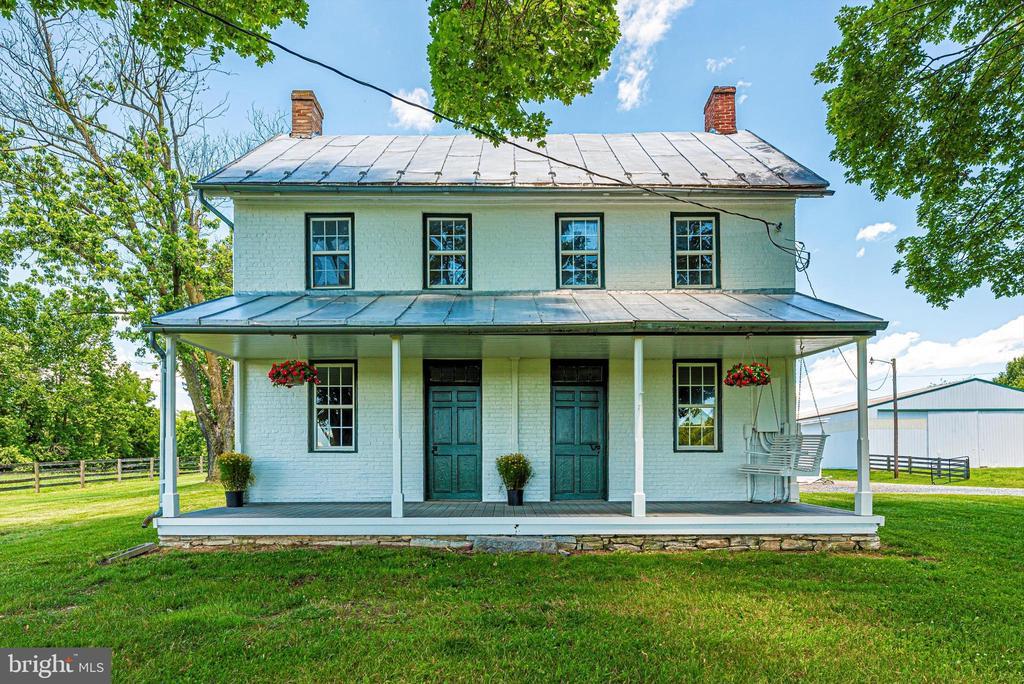 Typical double door farmhouse - 10302 COPPERMINE RD, WOODSBORO