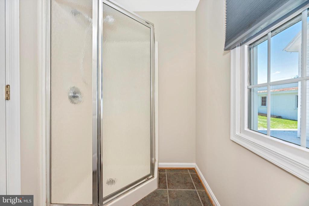 First floor full bath - 10302 COPPERMINE RD, WOODSBORO