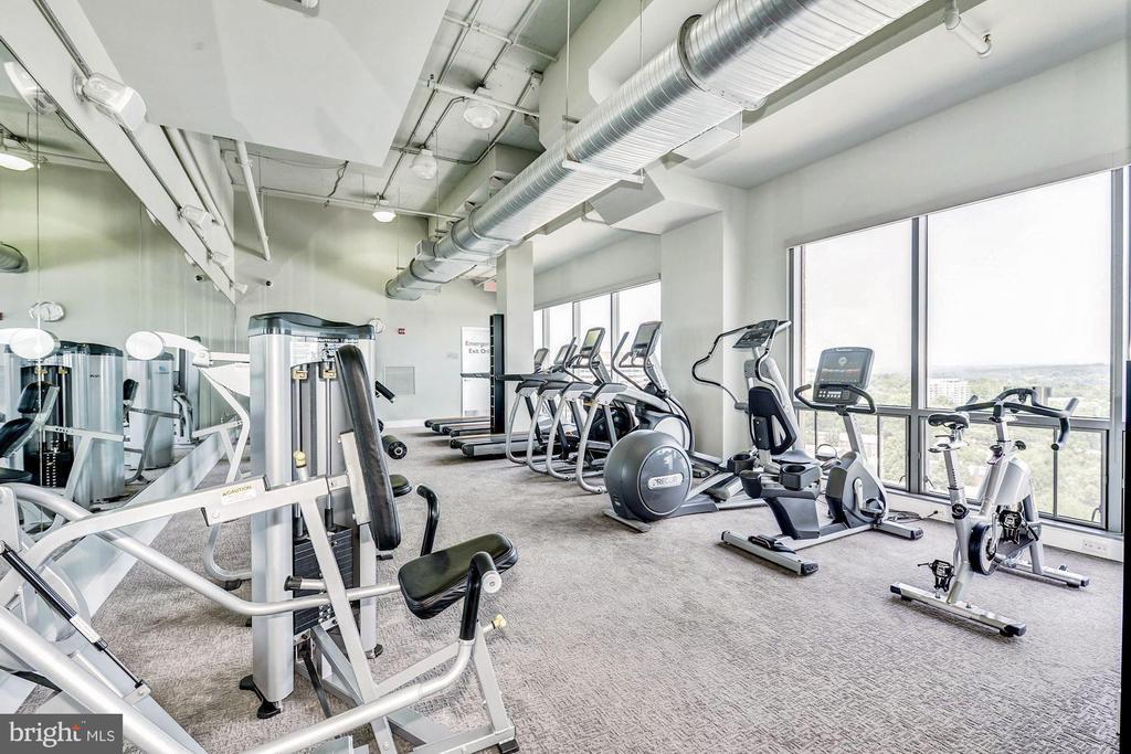 Penthouse exercise room - 2001 15TH ST N #1106, ARLINGTON