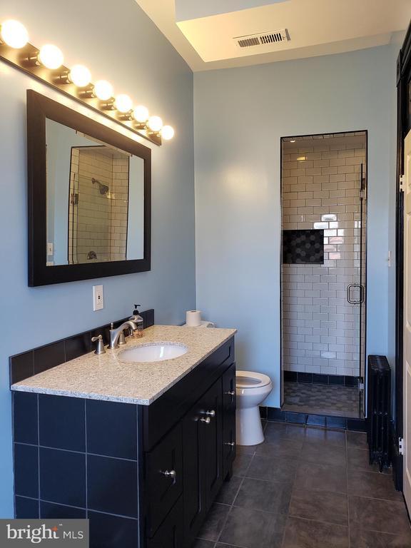 2cd Floor Bathroom with Large Shower Stall. - 1115 RHODE ISLAND AVE NW, WASHINGTON