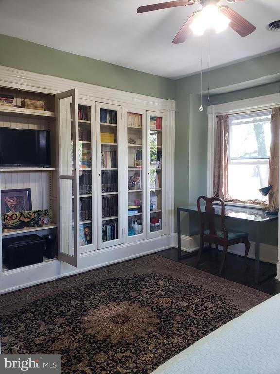 3rd Floor Front Bedroom Desk Area. - 1115 RHODE ISLAND AVE NW, WASHINGTON