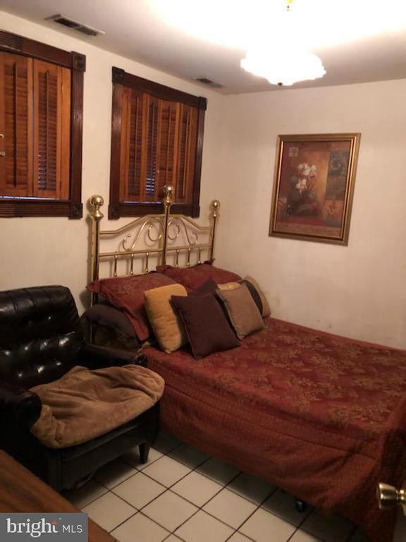 Basement Apartment Bedroom. - 1115 RHODE ISLAND AVE NW, WASHINGTON