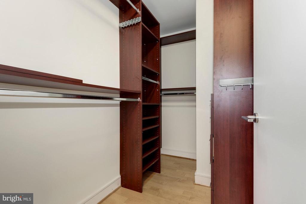 Large customized walk in closet - 2001 15TH ST N #1106, ARLINGTON