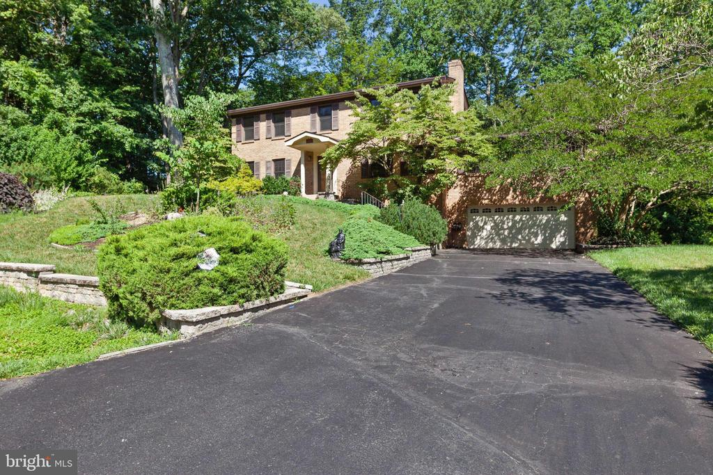 Welcome home! - 3208 SHOREVIEW RD, TRIANGLE