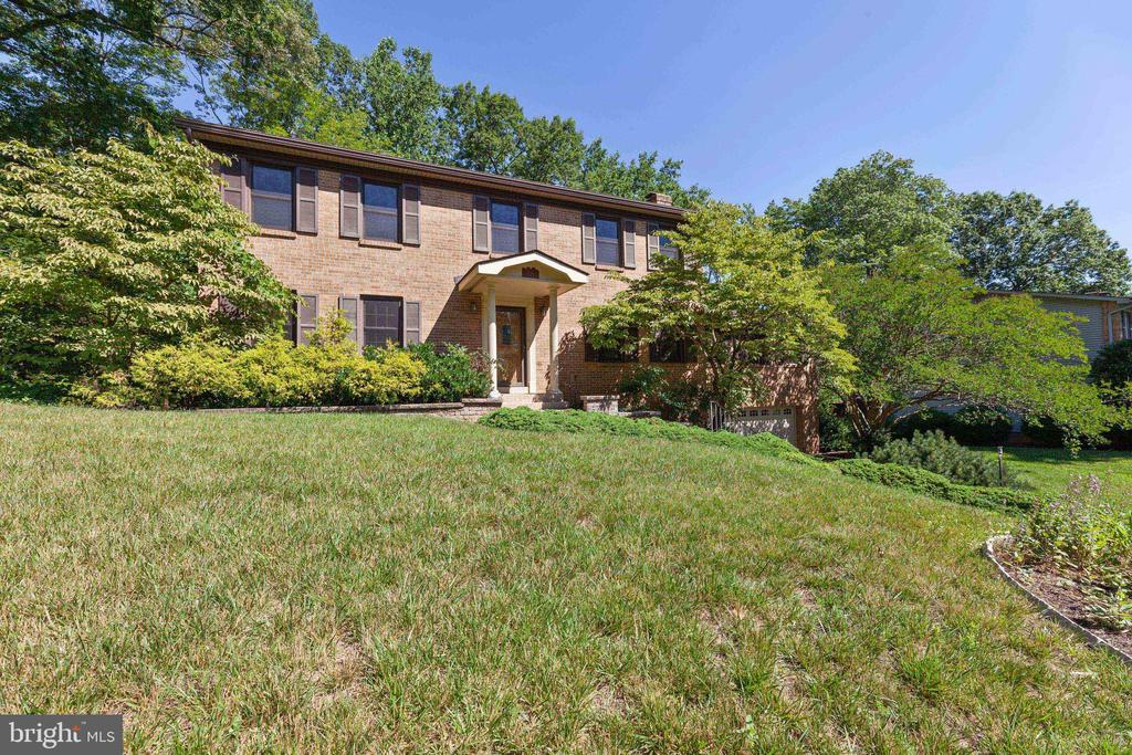 Brick Front with portico - 3208 SHOREVIEW RD, TRIANGLE