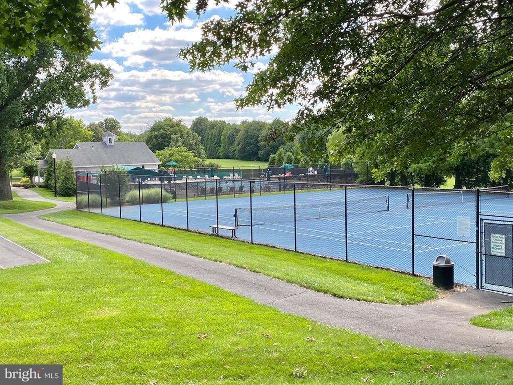 Community Tennis & Pool - 10911 HUNTER GATE WAY, RESTON
