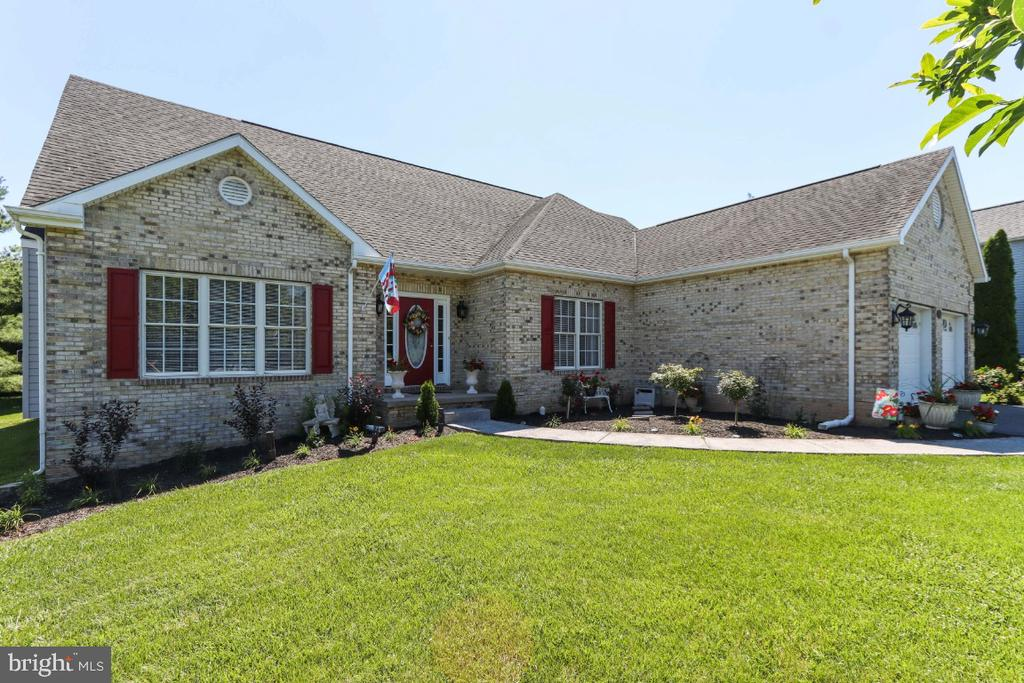 Resting on a 0.34 Acre Lot - 384 TURNBERRY DR, CHARLES TOWN