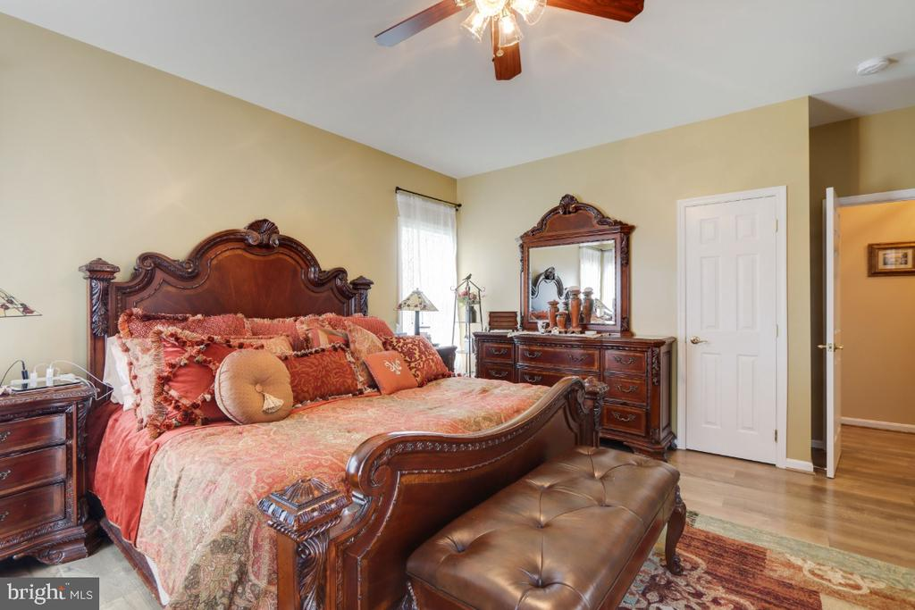 Primary Suite - 384 TURNBERRY DR, CHARLES TOWN