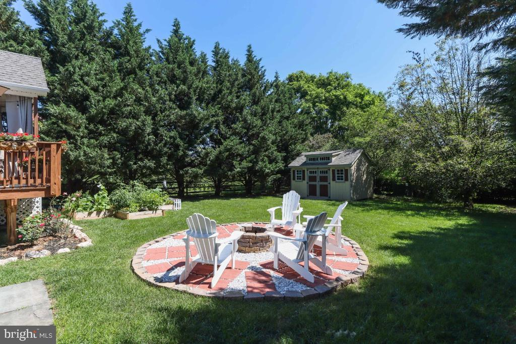 The Back Yard is Private & Shaded! - 384 TURNBERRY DR, CHARLES TOWN