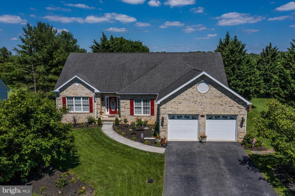 A Gorgeous Brick Fronted Rancher - 384 TURNBERRY DR, CHARLES TOWN