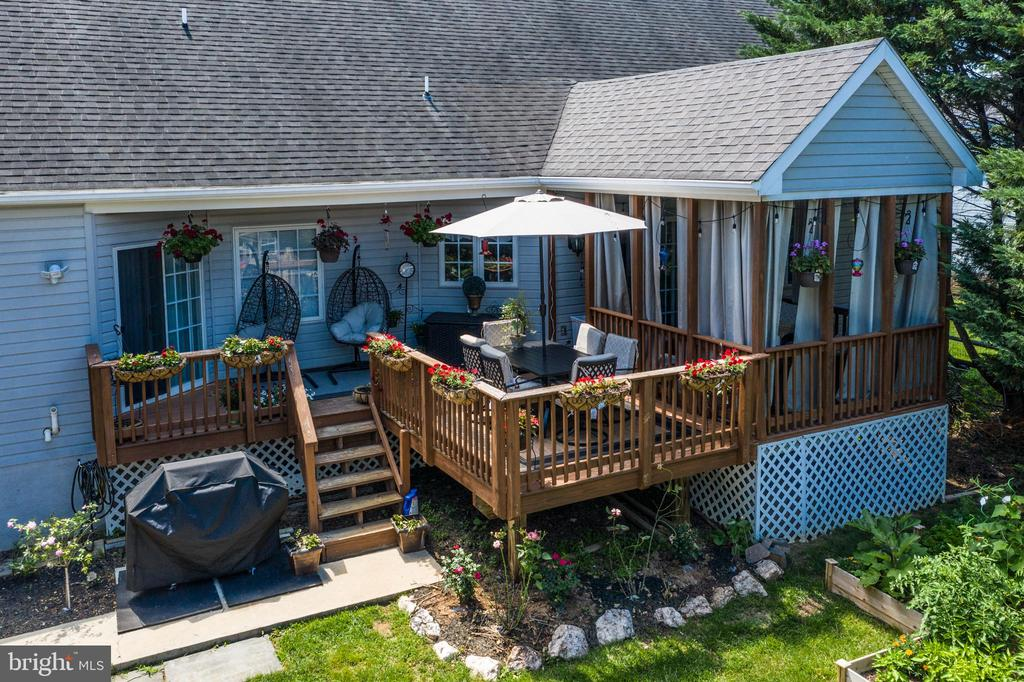 Or Cool Off Under the Covered Porch! - 384 TURNBERRY DR, CHARLES TOWN